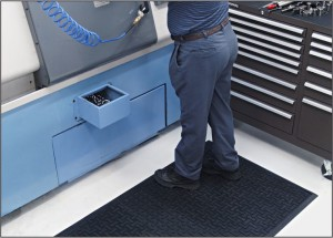 Anti-fatigue mat in front of lathe